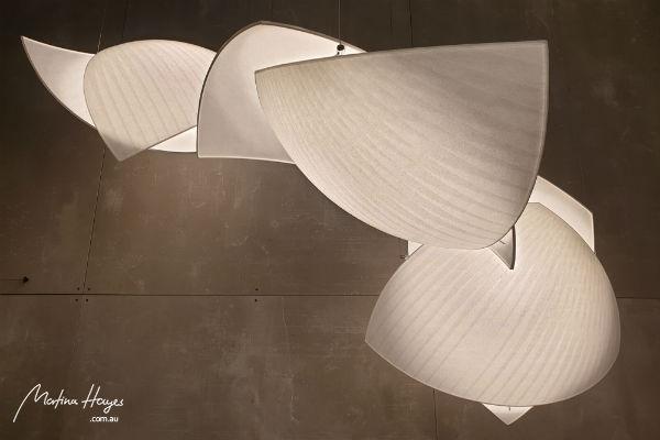 interior-design-trend-white-pendant-light