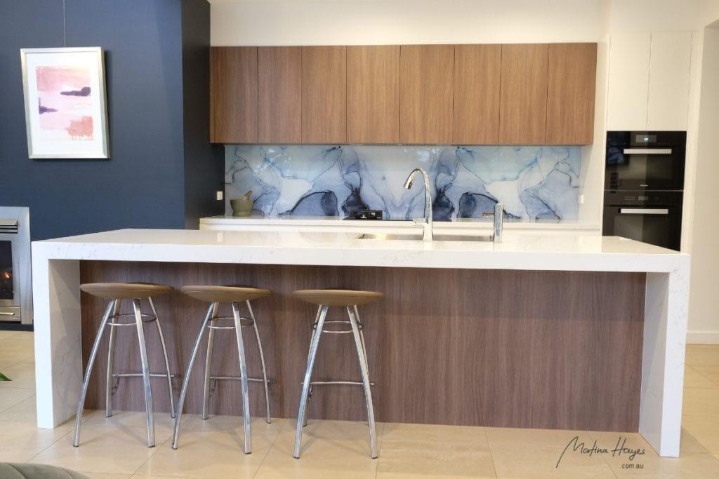 Contemporary style kitchen with glass splashback and custom design mosman